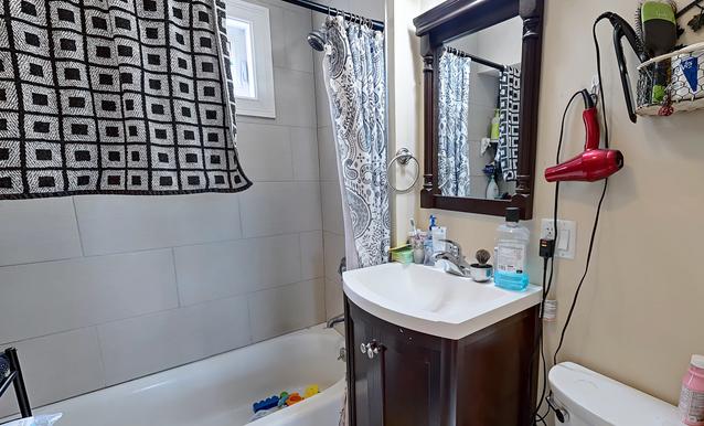 04-bathroom.png
