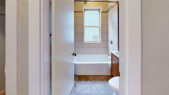 03-bathroom.jpeg