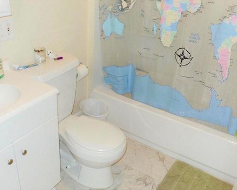 09-bathroom.jpeg