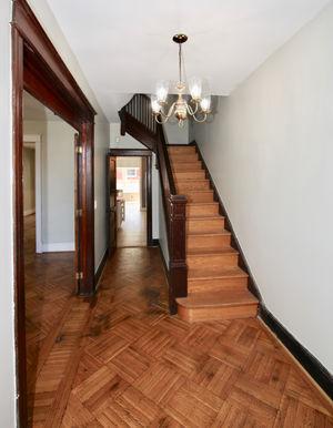 08-hallway.jpg