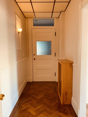 10-hallway.jpeg