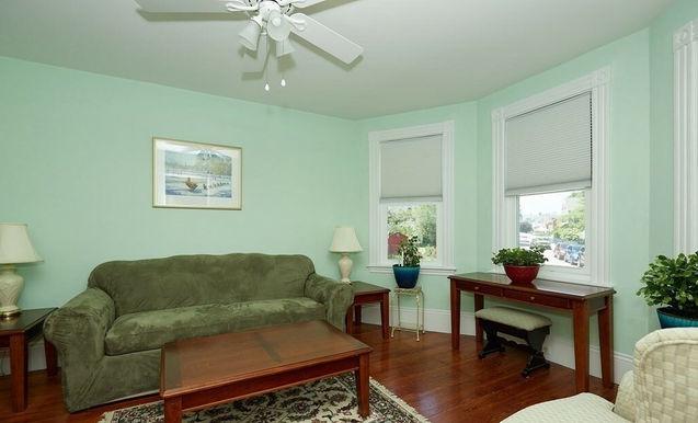 04-living-room.jpeg