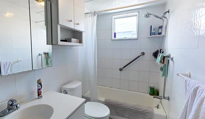 05-bathroom.png