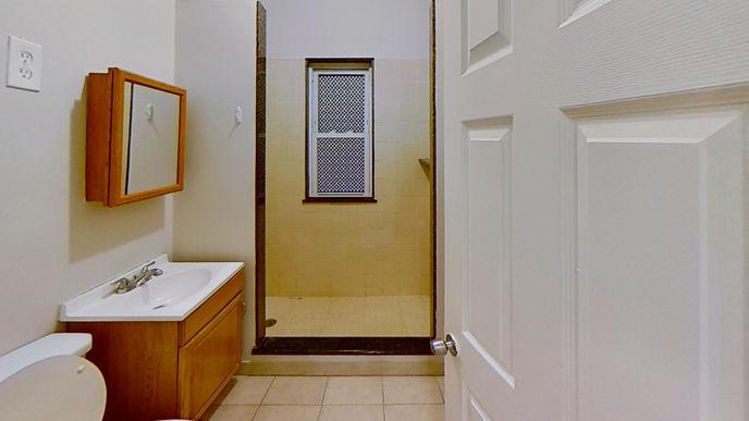 03-bathroomjpg
