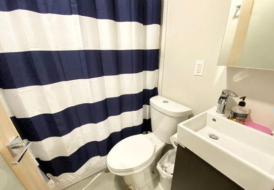 06-bathroomjpeg