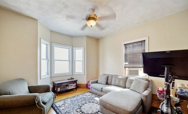 03-living-room.jpeg