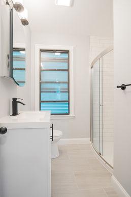 05-bathroom.jpg