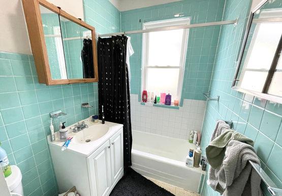 05-bathroom.jpeg