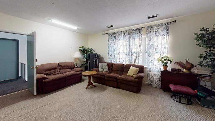 02-living-roomwebp