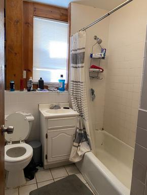 02-bathroompng
