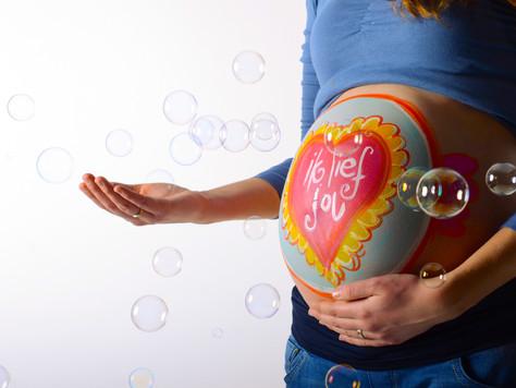 Zwanger? Mag ik je buik schilderen?