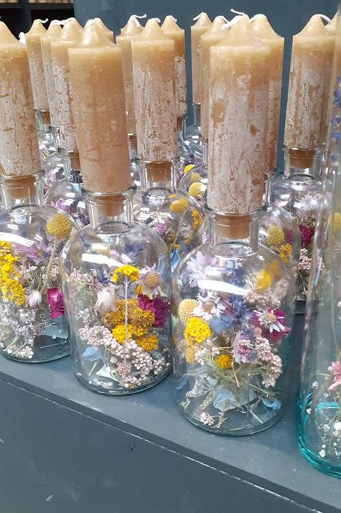 Flesje met kaars en Droogbloemen 🧡 Verkocht
