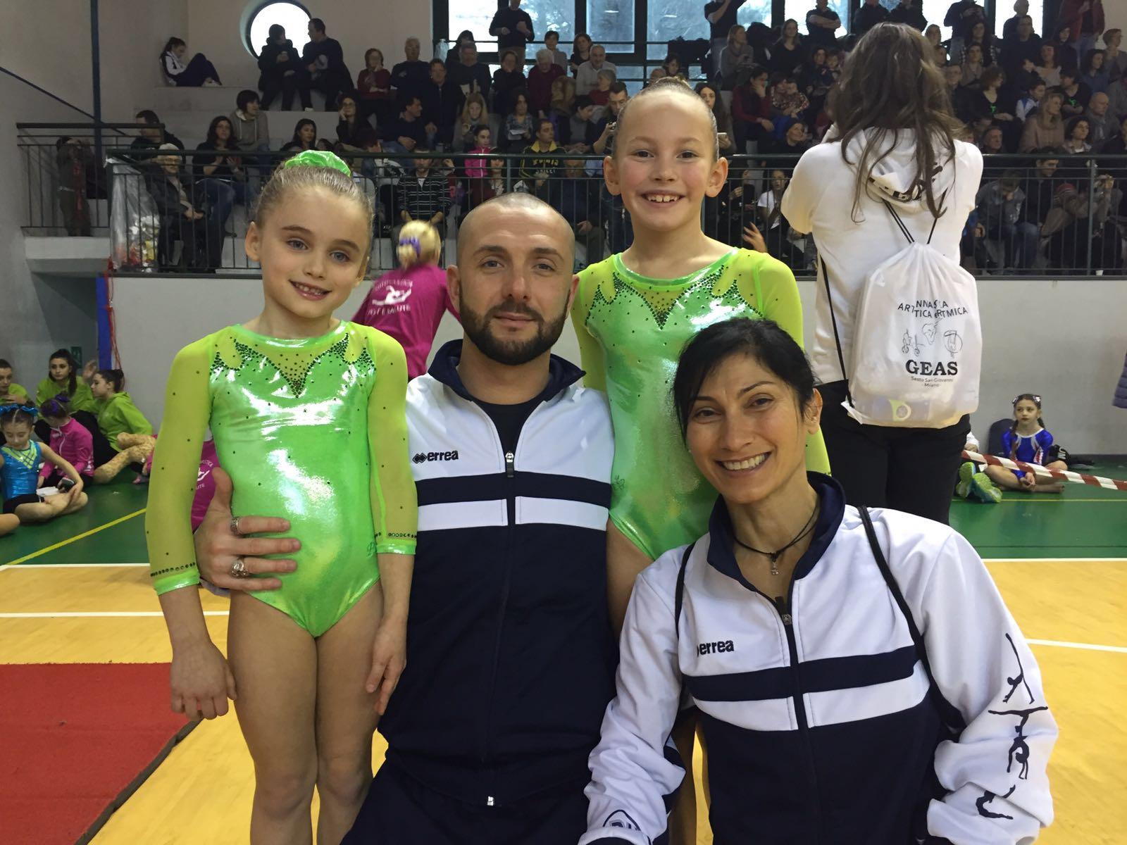 Piccole ginnaste con grandi allenatori