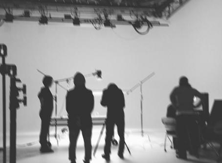 スタジオの入場制限。
