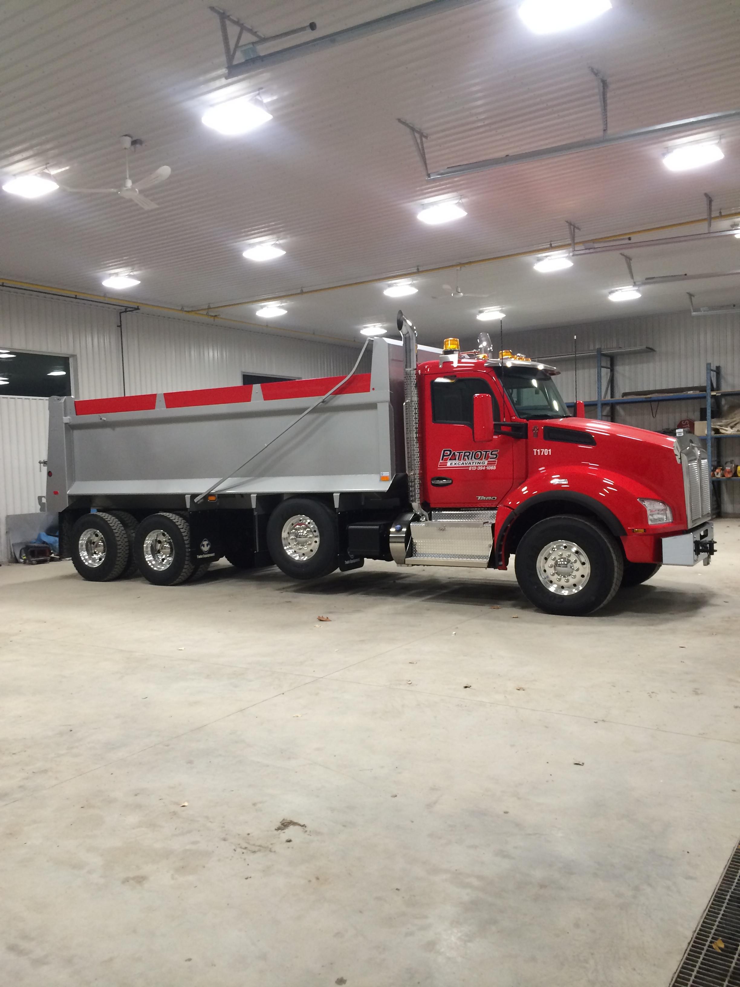 Dump Truck Renatl