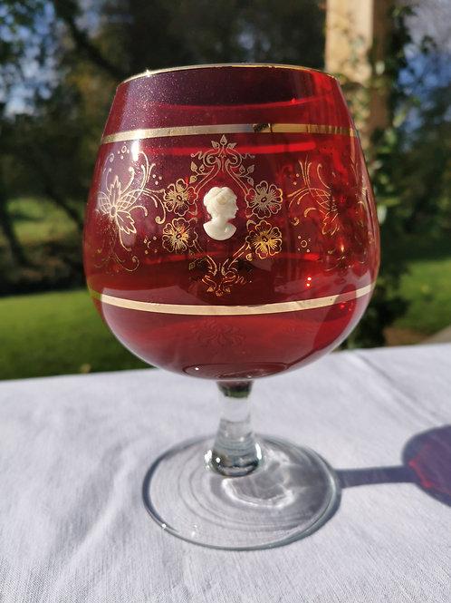 Vase sur pied Murano soufflé rouge de 1960, 22 cm