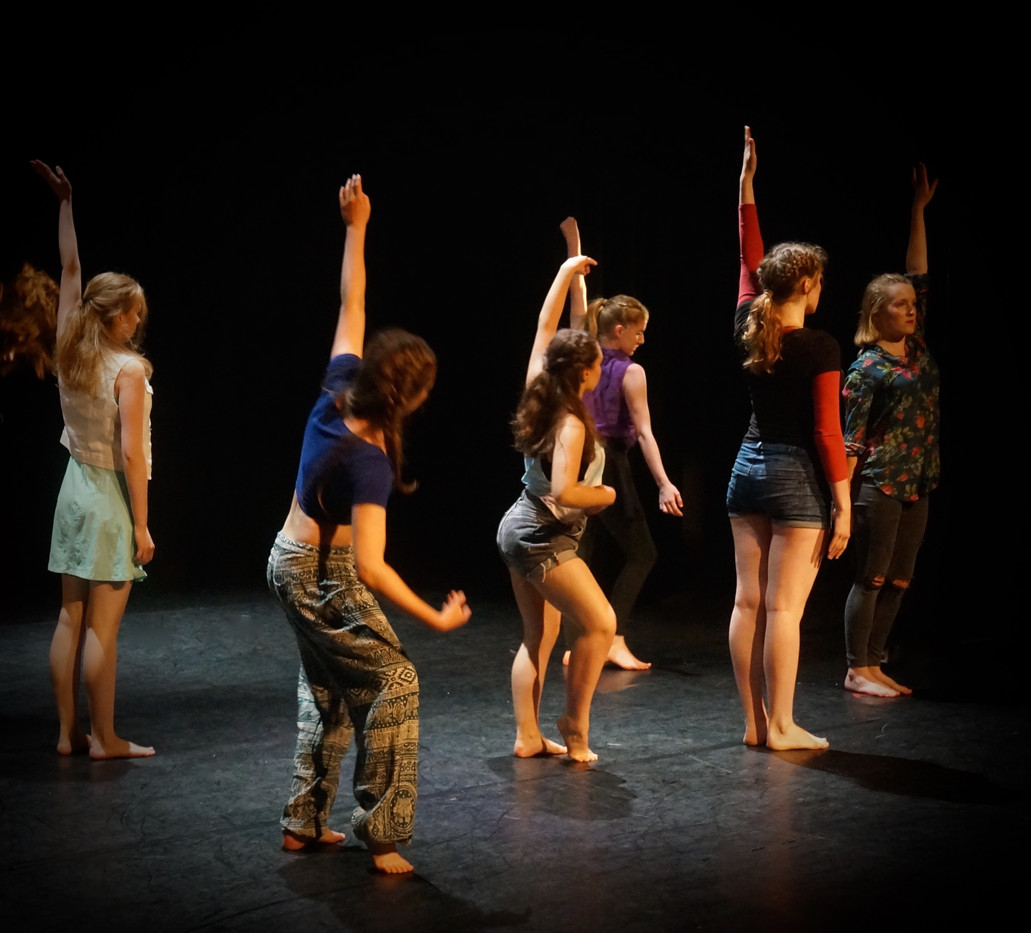 Thrive Youth Dance Company