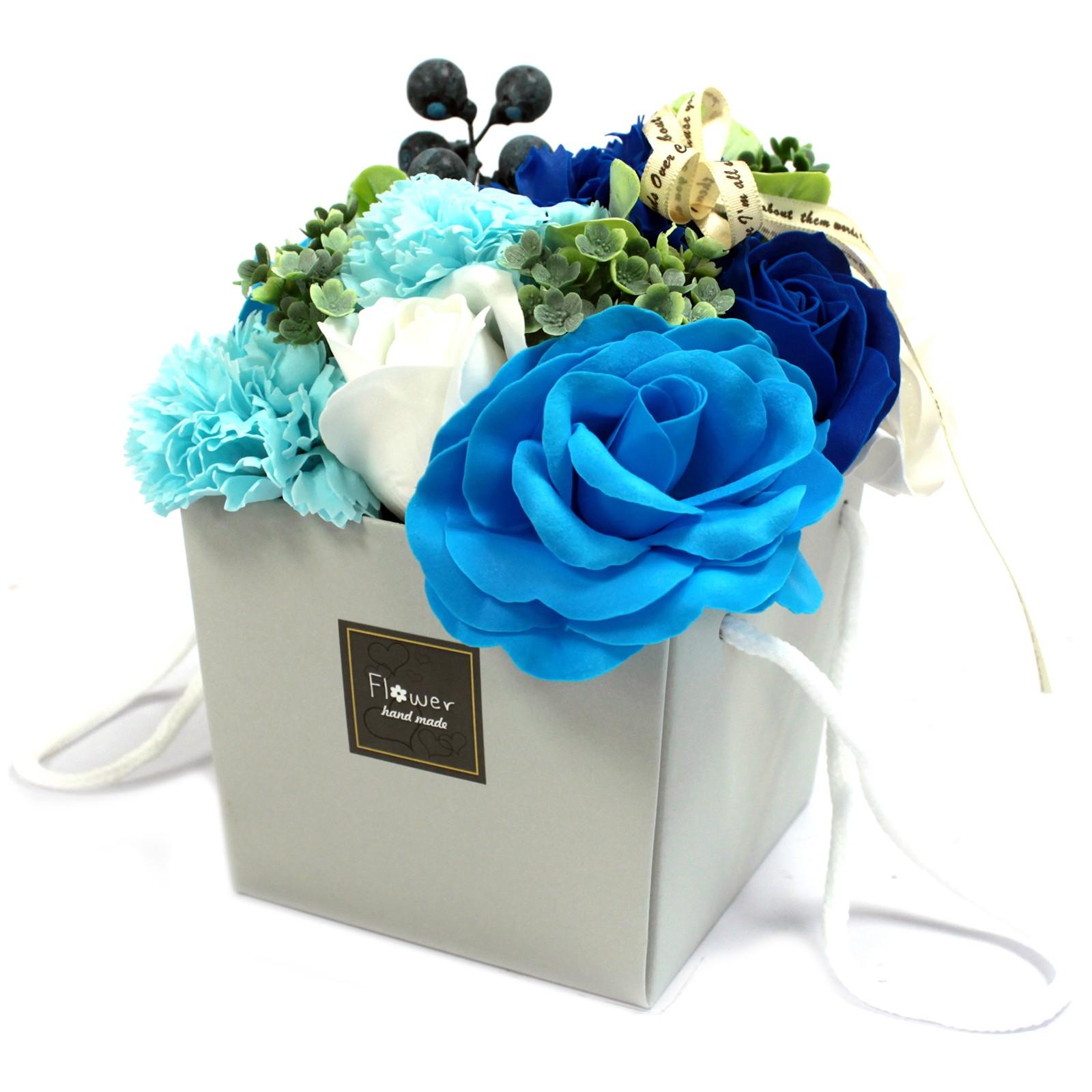 bouquet de feurs de bain bleu