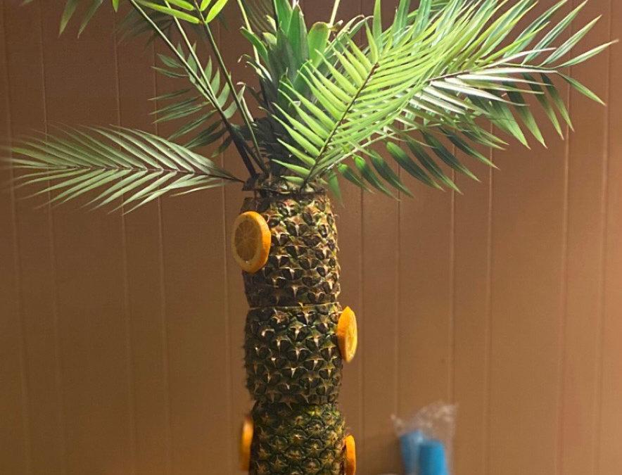Pineapple Centerpiece send message to book