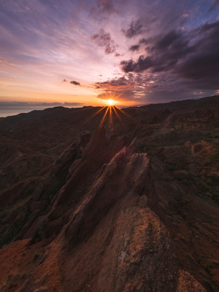Sunrise atop the Great Wall in the Fairytale Canyon (Skazka Canyon) (Matt Horspool)
