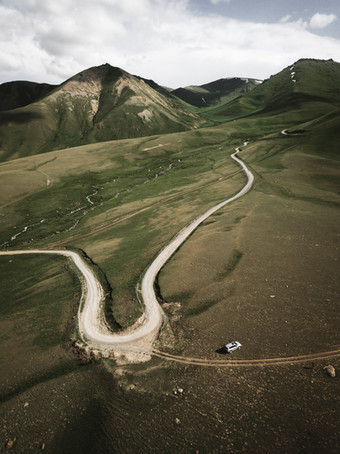 The first of many switchbacks on our way to Issy-Kul (Matt Horspool)