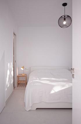 bedroom2_010.jpg