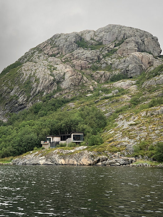 Moderne hytte ved sjøen på Fosen halvøya | | Arkplan Arkitektkontor