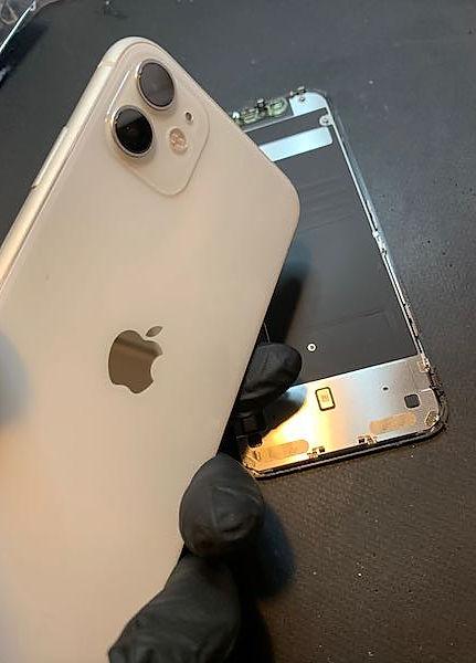Reparation-iphone-11-sainte-maxime-golfe