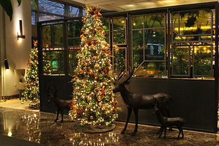 Hilton & Duniway Holiday Decor 2017