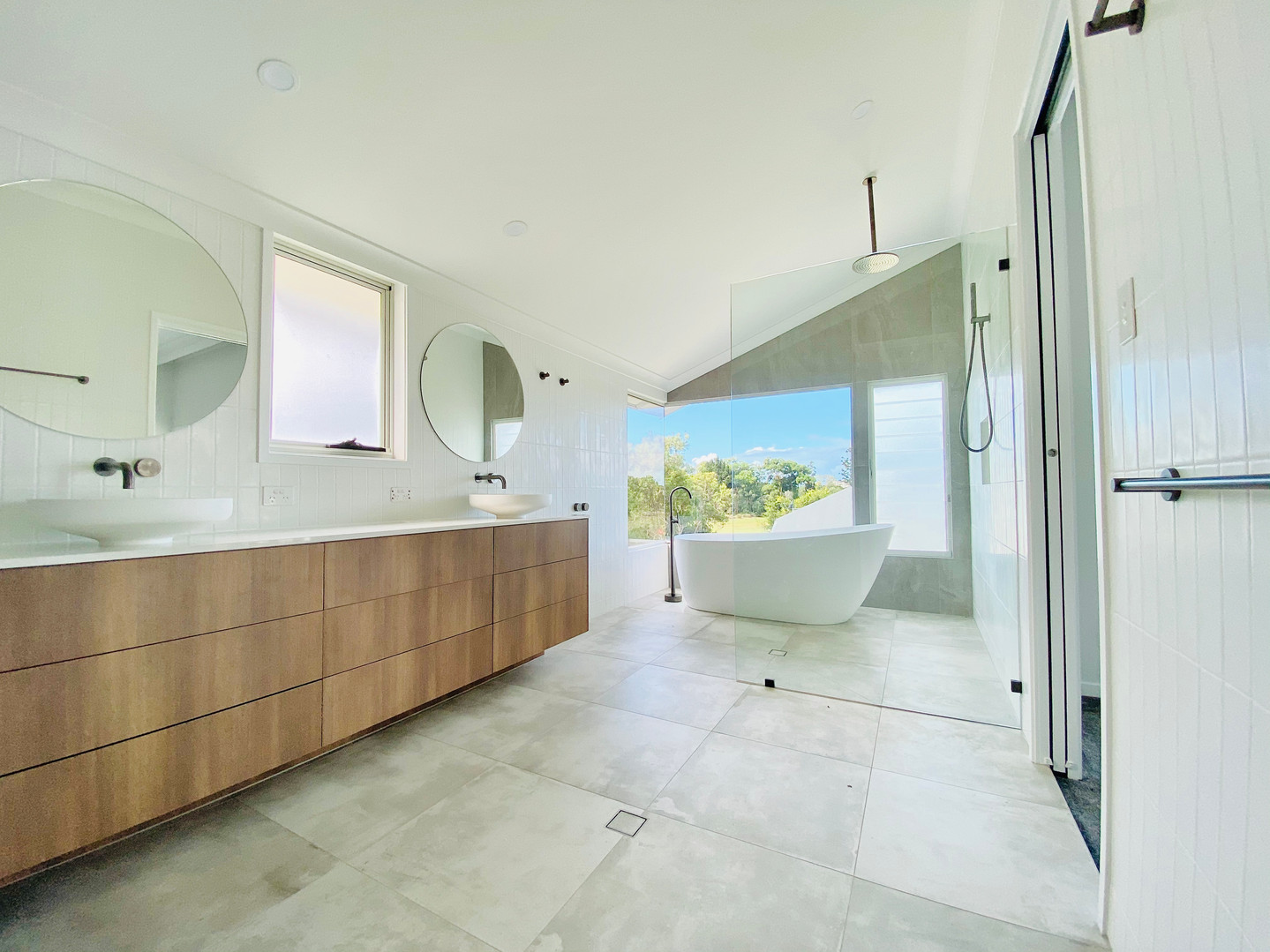 Clayfield Ensuite IMG_E9868.JPG