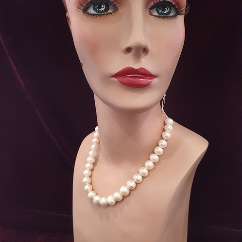Bespoke knotted large pearl necklace