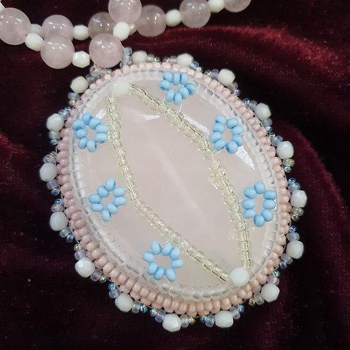 Rose quartz pendant necklace