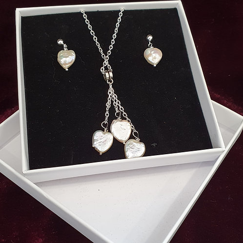 Pearl heart pendant and earrings set