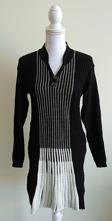 Woolen long top in black and white