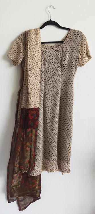 Simple brown patterned suit