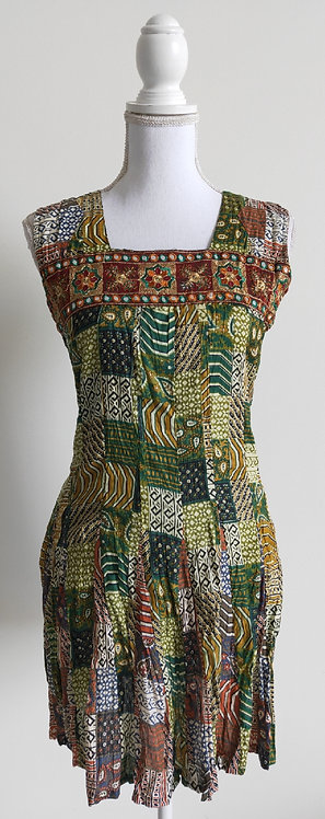Green patterned top with mirror workchest design