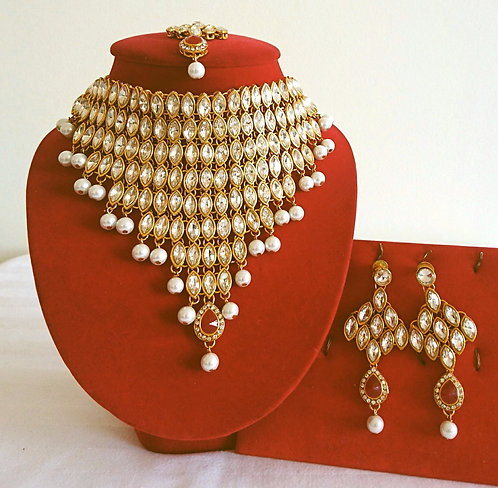 Heavy bridal 4 piece khundan necklace set with white and dark pink stone