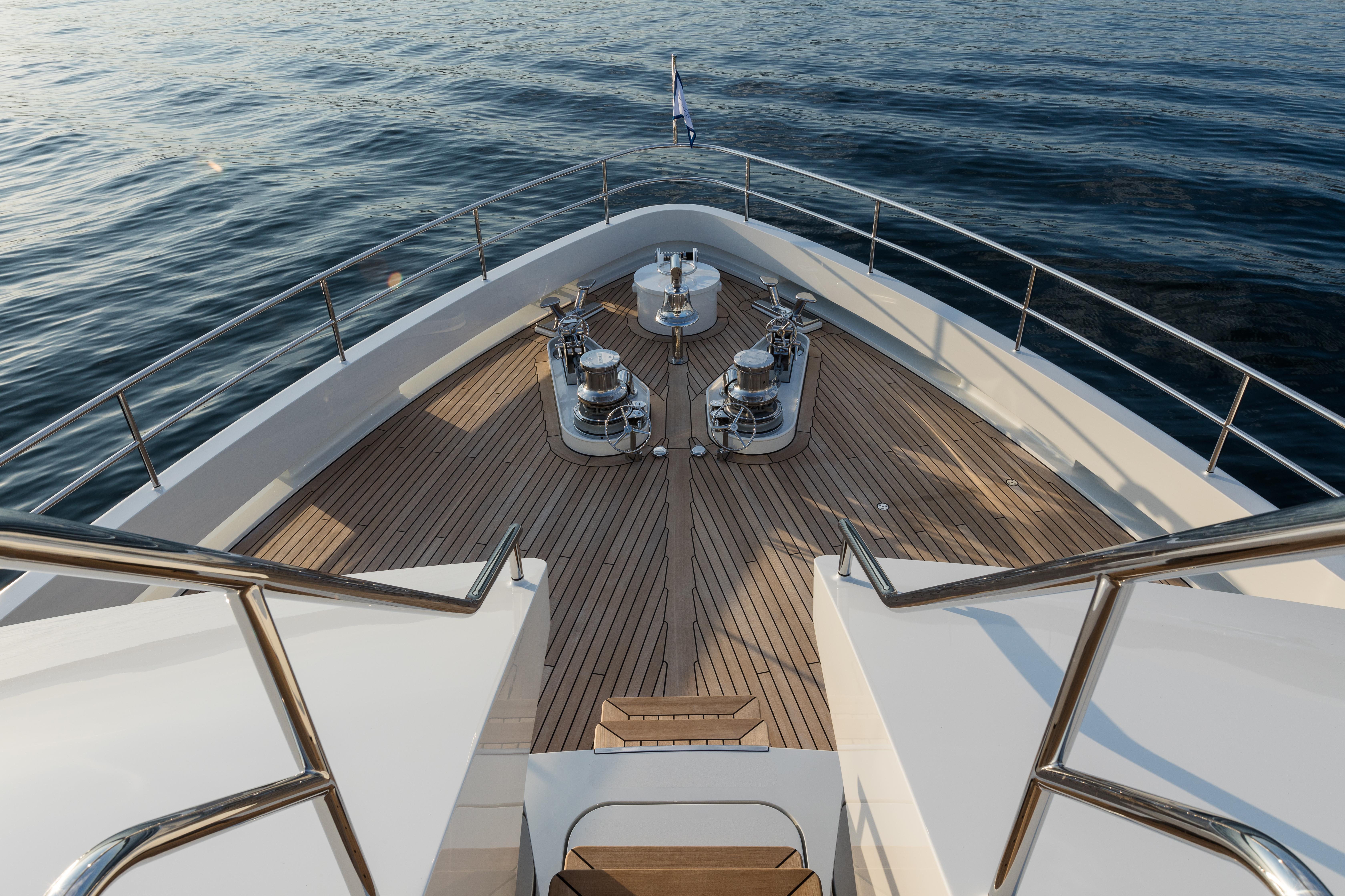 Moonen Yachts BRIGADOON interior (143)