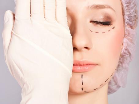 Plástica facial: 5 tipos de cirurgias e suas indicações