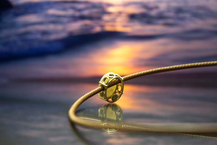 Anhänger 585 Gelbgold mit Edelopal an Lederband mit Schnappverschluss 585 Gelbgold