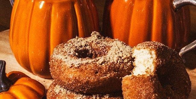 Pumpkin Crunch Donuts