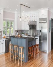 Shaker White Cabinets Kitchen2