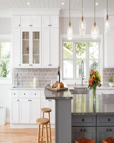 Shaker White Cabinets Kitchen1