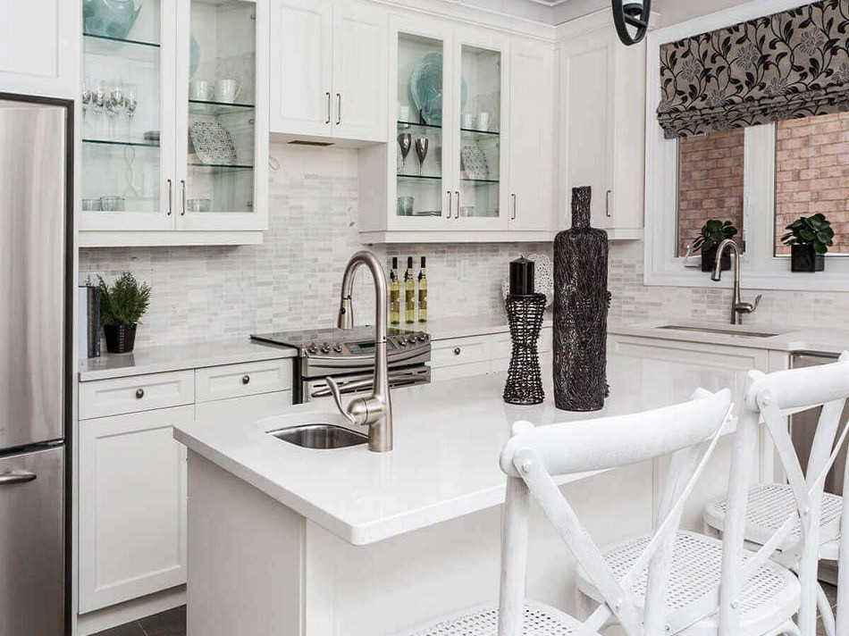 Summit Shaker White Kitchen Cabinets_edi
