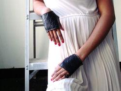 Leather mini finger gloves