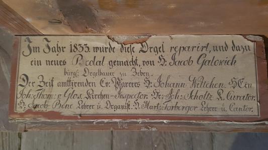 Nápis na zachovanom manuály z pôvodného organu