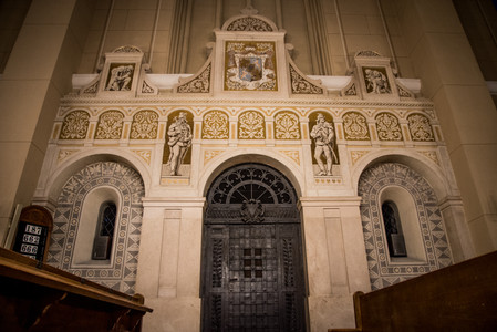 Vchod do mauzólea