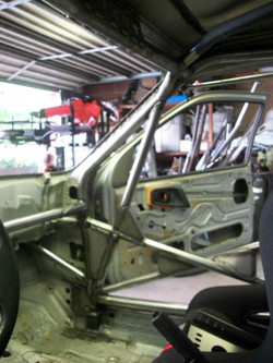 XR4ti_Rally_Cage04