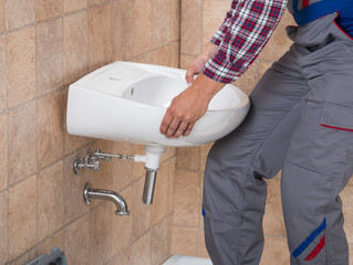 7 reasons to hire a professional bathroom fitter