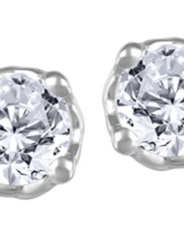 Canadian Diamond stud earrings.jpg